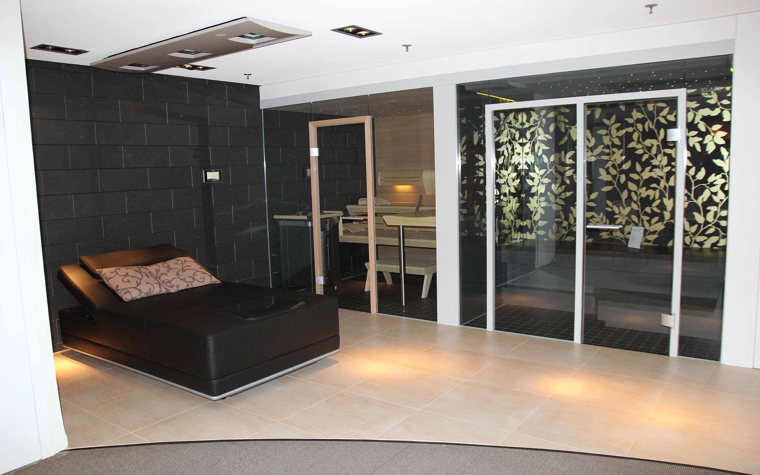 schwimmbad und pool ausstellung in schw bisch hall ssf pools. Black Bedroom Furniture Sets. Home Design Ideas