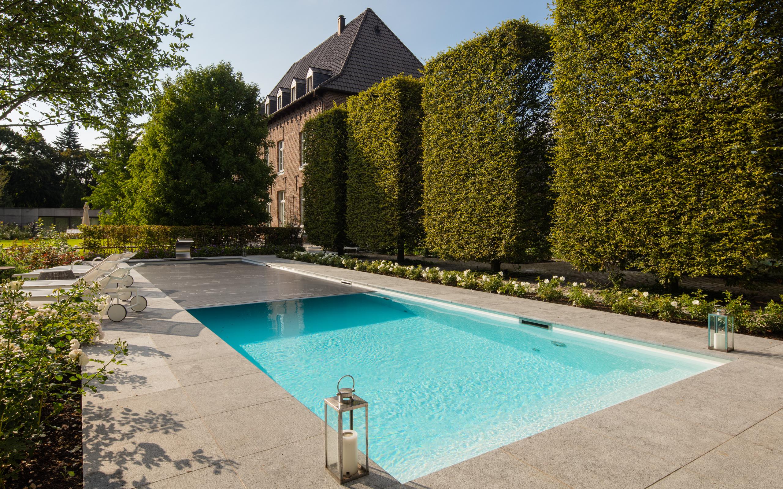 Konsequent Geometrische Formen Pool Und Pool Haus Als