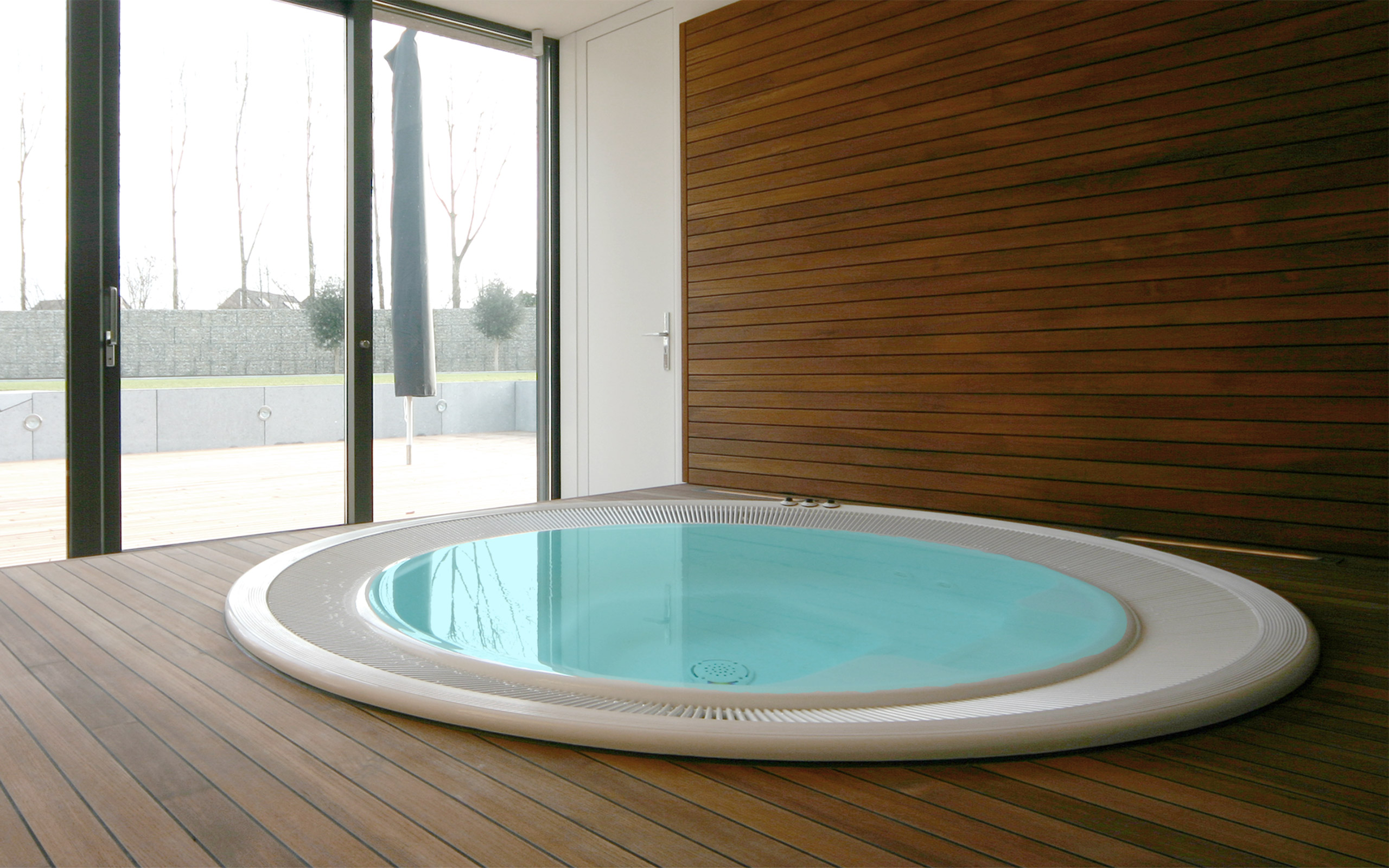 einbau whirlpool outdoor. Black Bedroom Furniture Sets. Home Design Ideas